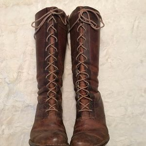 Frye Villager Lace up boots size 9.5